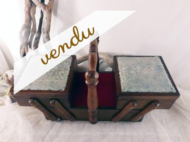 Boite couture travailleuse en bois et dentelle le for Travailleuse couture moderne