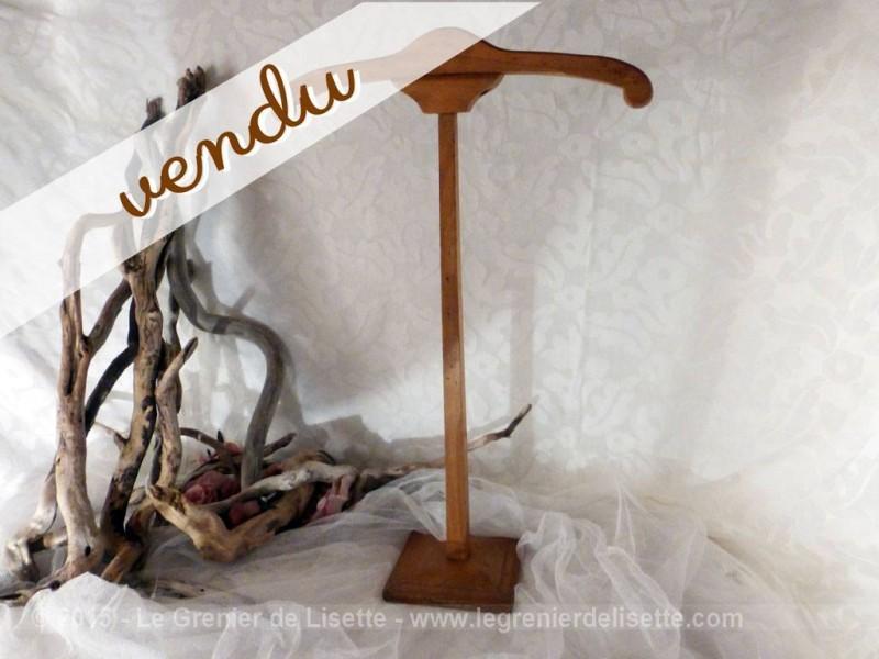 Petit cintre serviteur en bois le grenier de lisette - Portant vetement bois ancien ...