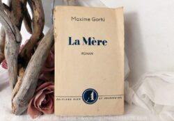 """Livre de Maxime Gorki """"La Mère"""""""