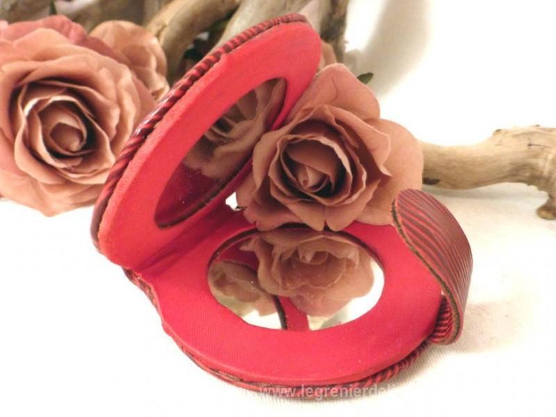 Miroir de poche rouge le grenier de lisette for Miroir de poche ancien