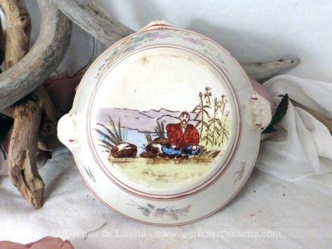 Ancien pot provençal en terre pour suspendre avec ses anses percées.