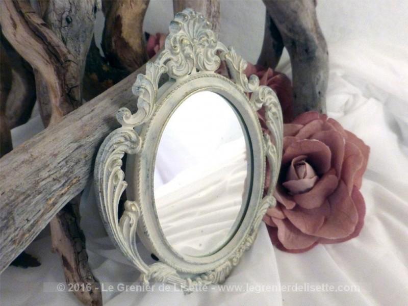 petit miroir en r gule patin shabby le grenier de lisette. Black Bedroom Furniture Sets. Home Design Ideas