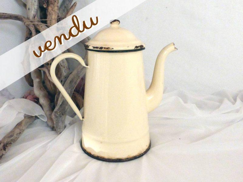 Ancienne cafeti re maill e jaune paille le grenier de lisette - Couleur jaune paille ...