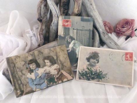Trois cartes postales anciennes enfants modèles.