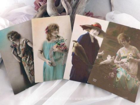 Lot de 4 cartes postales anciennes de femmes, timbres et tampons de Belgique, datant du début du siècle dernier.