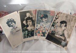 Lot de 4 cartes postales anciennes portrait de femmes XIX.