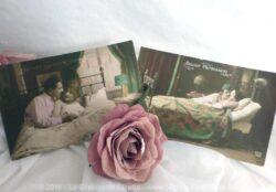 Deux cartes postales anciennes d'un couple couché