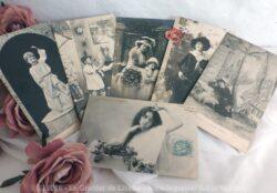Six cartes postales anciennes de personnages, femmes et enfants, en noir et blanc.
