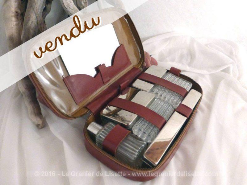 trousse de toilette l m vintage le grenier de lisette. Black Bedroom Furniture Sets. Home Design Ideas