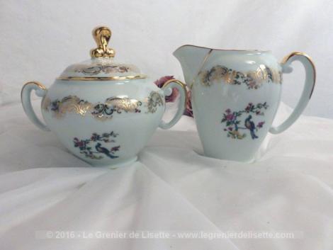 Sucrier et pot à lait en porcelaine avec beau dessin de Paon.