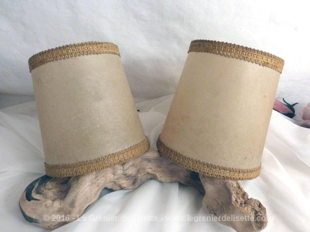 vendu paire d 39 anciens abat jour parchemin pour ampoule le grenier de lisette. Black Bedroom Furniture Sets. Home Design Ideas