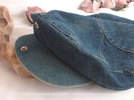 Casquette jean denim délavé, look vintage.