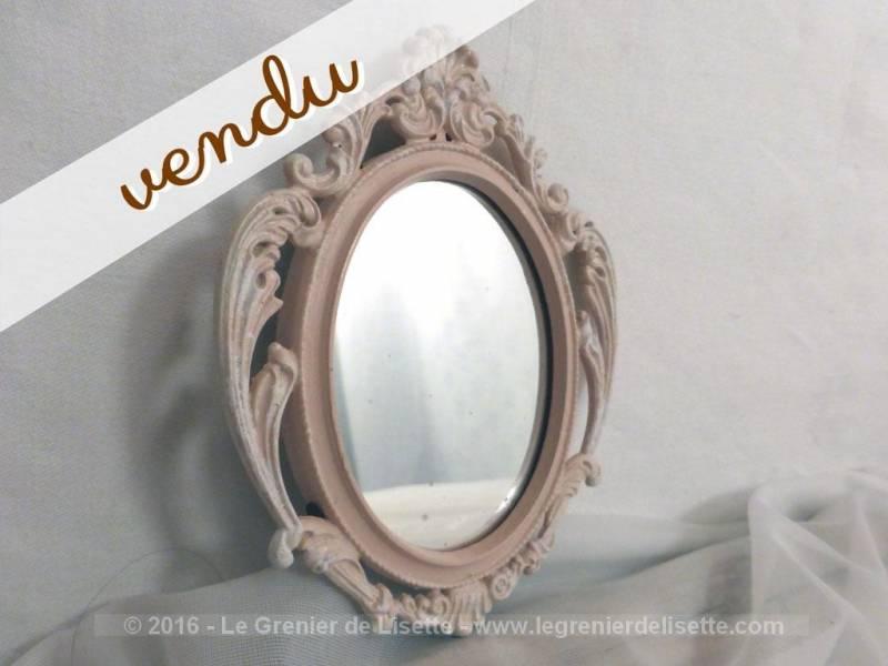 petit miroir en r gule patin rose shabby le grenier de. Black Bedroom Furniture Sets. Home Design Ideas