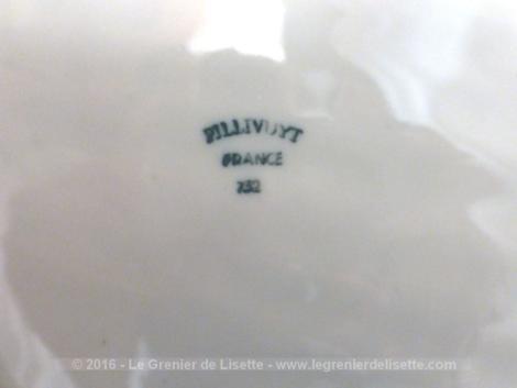 Plat faïence Pillivuit en forme de coquille St Jacques.