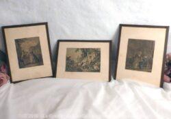 Trio de cadres vintages avec vieilles images et pourtour en scotch marron.