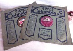 """Duo de disques à aiguilles 78T en cire, dans des pochettes """"Columbia"""", un disque """"La Voix de son Maitre"""" pour """"L'Etoile d'Amour de Vanni Marcoux"""" et un disque """"François Salabert"""" pour """"Ramona"""" ."""