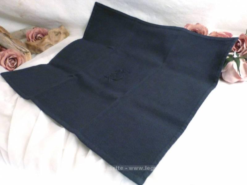 ancienne nappe teint e gris anthracite monogrammes mg et 7 serviettes assorties le grenier de. Black Bedroom Furniture Sets. Home Design Ideas