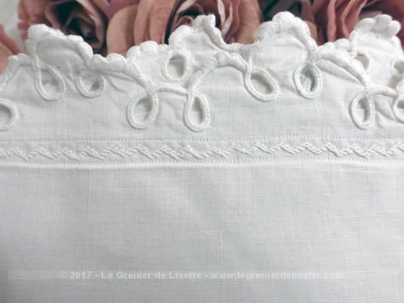 taies d oreiller anciennes Ancienne taie d'oreiller avec broderies et monogrammes BL   Le  taies d oreiller anciennes