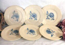 Lot de 3 assiettes plates et 3 assiettes dessert avec dessin d'une rose bleue au centre en Sarreguemines Digoin