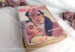 Ancien livre Le Comte de Monté Cristo d'Alexandre Dumas , édition de 1953.