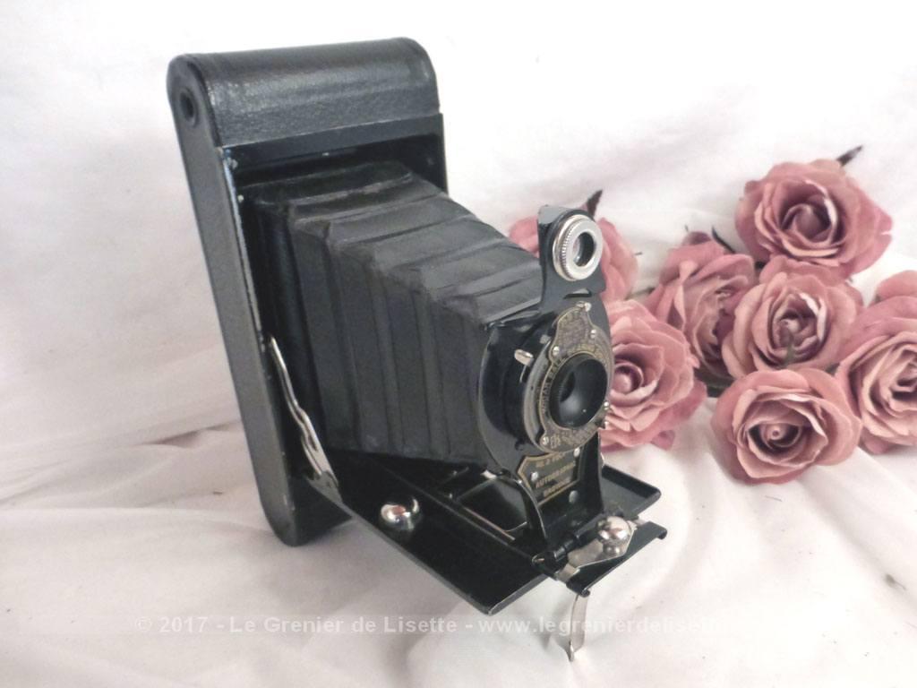vendu appareil photo soufflets kodak et sa sacoche le grenier de lisette. Black Bedroom Furniture Sets. Home Design Ideas