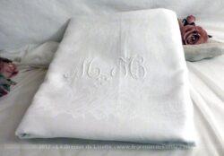 Ancienne nappe blanche damassée monogrammes MH.