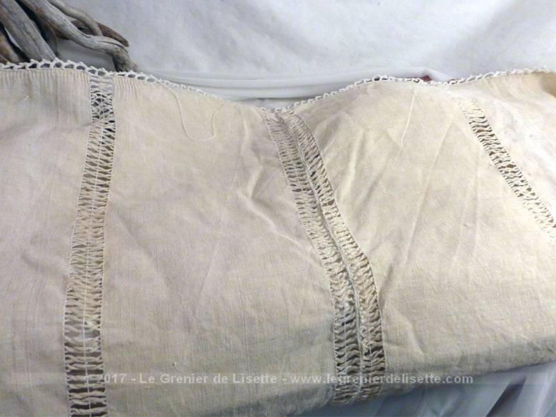ancien rideau avec sa bordure en grande dentelle le grenier de lisette. Black Bedroom Furniture Sets. Home Design Ideas