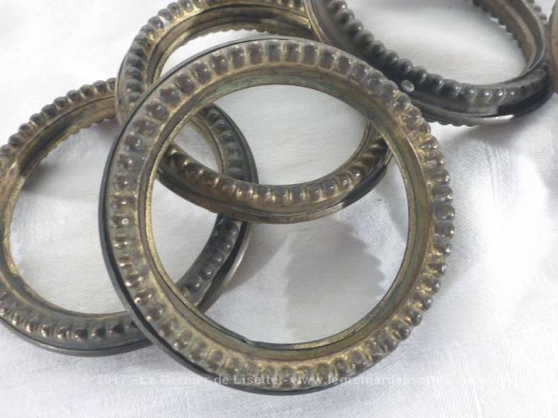VENDU - Lot de 9 anciens anneaux à rideaux en laiton - Le Grenier de ...