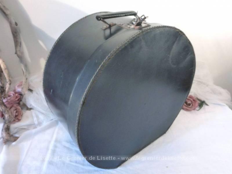 ancienne boite chapeaux en carton rigide avec sa clef d 39 origine le grenier de lisette. Black Bedroom Furniture Sets. Home Design Ideas