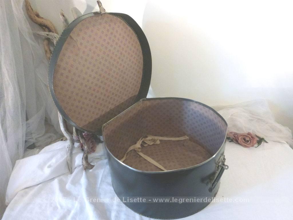vendu ancienne boite chapeaux en carton rigide avec sa clef d 39 origine le grenier de lisette. Black Bedroom Furniture Sets. Home Design Ideas