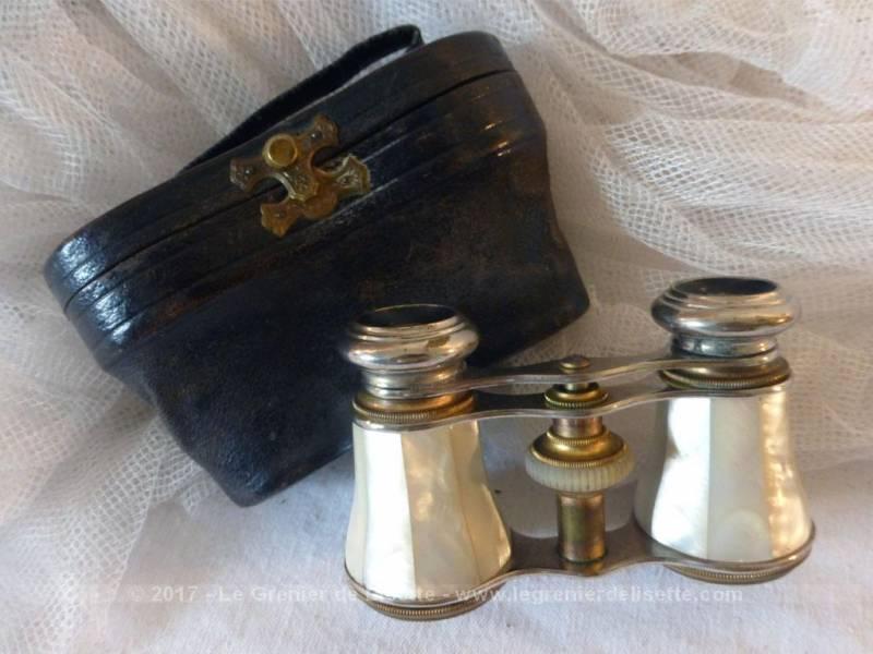 vendu ancienne paire de jumelles de th tre en nacre et son tui en cuir le grenier de lisette. Black Bedroom Furniture Sets. Home Design Ideas