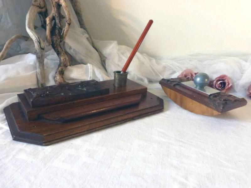 vendu ancien n cessaire de bureau avec encrier et buvard le grenier de lisette. Black Bedroom Furniture Sets. Home Design Ideas