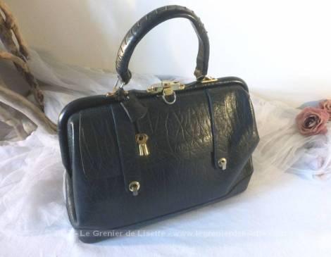 Ancien sac en cuir noir, à la belle forme des anciennes sacoches de docteur