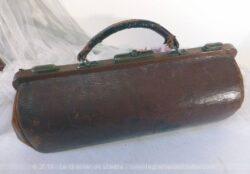 Ancien sacoche cuir médecin ou infirmier années 20