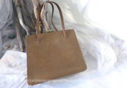 Ancien sac vintage en cuir couleur fauve