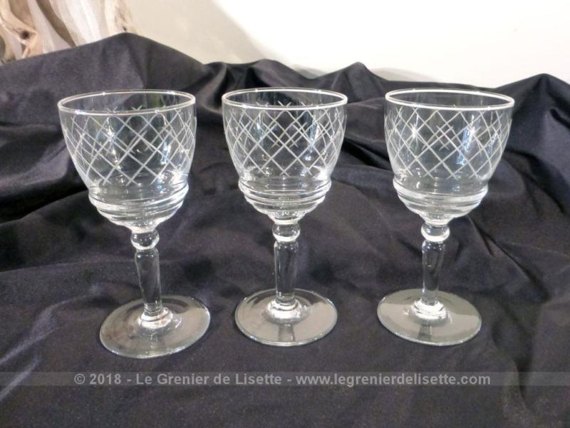 vendu trio de verres porto grav s le grenier de lisette. Black Bedroom Furniture Sets. Home Design Ideas