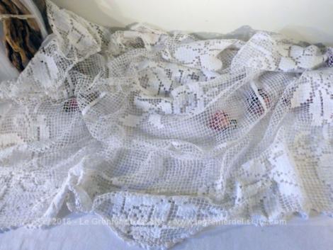 vendu ancienne nappe carree crochet