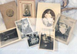 Lot de 8 photos anciennes bébés et enfants - libres de droit
