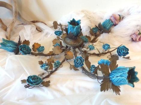 Centre de table avec fleurs en porcelaine bleue turquoise