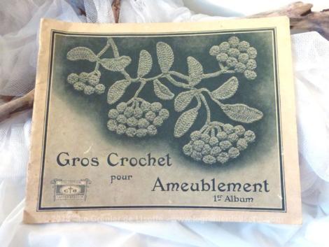 """Ancien livre """"Gros crochet pour Ameublement"""", 1er album, collection Cartier Bresson."""