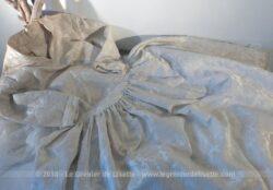 Ancienne et authentique robe de mariée, pouvant devenir robe de soirée, cocktail ou cérémonie datant des années 60.
