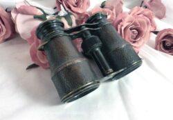 Ancienne paire de jumelles de théâtre en laiton habillée de cuir patiné
