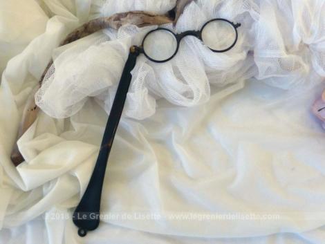 Ancien long face à main en bakélite, lunettes de théâtre pliable .