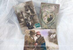 Datant du début du siècle dernier, voici trois anciennes cartes postales de photos de couple pour souhaiter la Bonne Année.