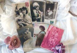 Six anciennes cartes de femmes en beauté, devant miroir et se poudrant le nez, datant du début XX°. Une carte vient de Roumanie et date de 1908.