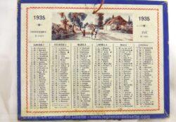 Petit calendrier cartonné de 1935, mesurant 12.5 x 10.5 cm avec un semestre et un dessin sur chaque face.