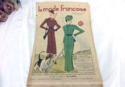 Revue La Mode Française du 15 septembre 1935 sur 16 pages avec des modèles de tailleurs ou robes. Tout le charme de la mode du début du siècle... Incroyable !