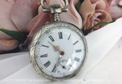 Ancienne montre gousset argent pour déco mais avec un petite restauration, une seconde vie l'attend.
