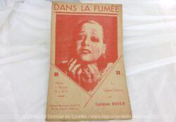 Ancienne partition chanson Dans la Fumée chantée par Lucienne Boyer, paroles et musique de J. Bos, tirée de l'opérette La petite dame du train bleu.