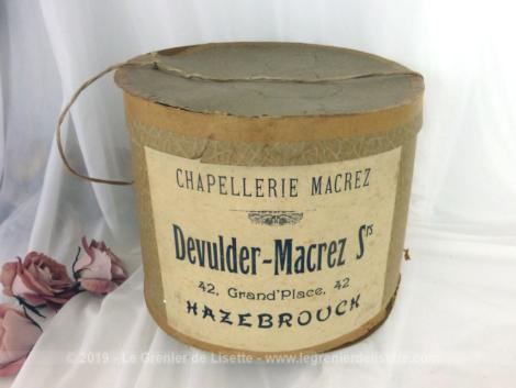 Ancienne boite à chapeaux Chapellerie Macrez, boite en carton de chez Devulder-Macrez Soeurs à Hazebrouck.